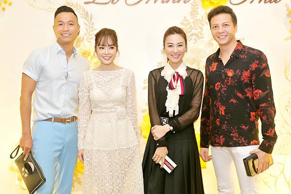 Dàn sao Việt chúc mừng đạo diễn 'Dốc sương mù' cưới vợ kém 12 tuổi