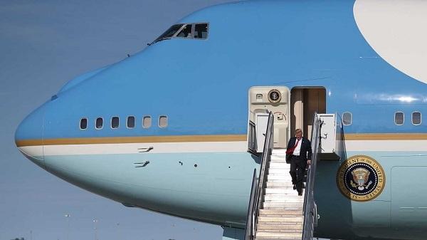 Lý do ông Trump 'lệnh' tháo hết ghế trên Không Lực Một