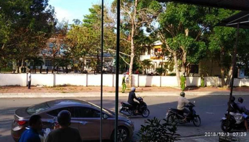Nổ súng ở UBND phường, 1 người chết: Nghi phạm hung hãn khống chế nhiều người