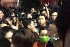 """""""Né"""" đề TOEIC mới, sinh viên sài Gòn rồng rắn đăng ký thi từ 3h sáng"""