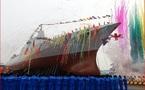 Hải quân TQ đưa vào biên chế tàu chiến 'khủng' nhất châu Á