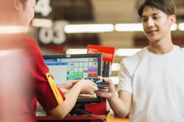 8 tỷ đồng tri ân chủ thẻ VinID dịp cuối năm