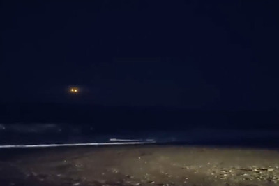 Dân mạng xôn xao vì nguồn sáng bí ẩn ở bờ biển Mỹ