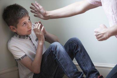 20 cách giúp con chống bạo lực