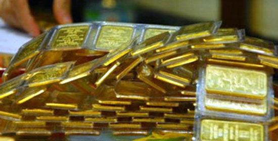 Giá vàng hôm nay 4/12: Tiềm ẩn nguy cơ, vàng leo lên đỉnh