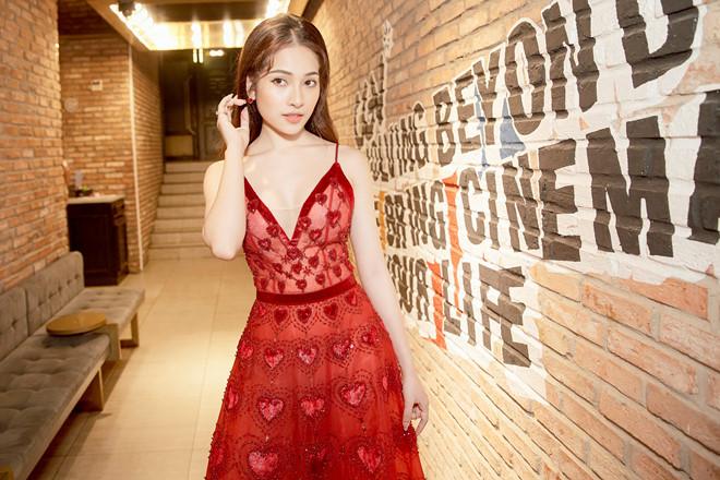 Sara Lưu: 'Dương Khắc Linh không cho tôi mua bài của nhạc sĩ khác'