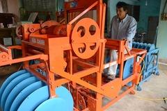 Nông dân lớp 7 chế máy tự động, hàng Nhật cũng chào thua