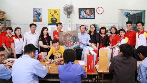 600 phần quà dành cho người khuyết tật TP.HCM