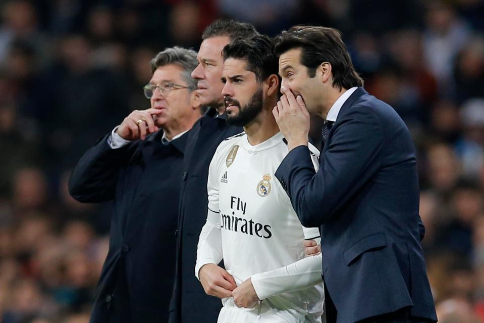 MU gặp họa lớn trước trận Arsenal, Isco rời Real Madrid