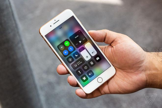Lỗ hổng trên iOS 'phơi bày' mọi tin nhắn cá nhân dù iPhone đang khóa