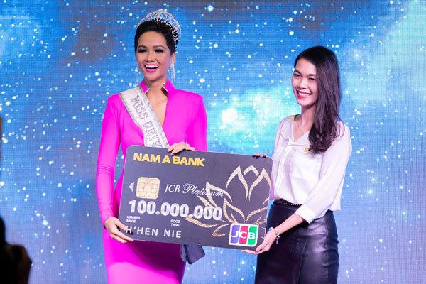 Nam A Bank đồng hành cùng H'hen Niê tại Miss Universe 2018