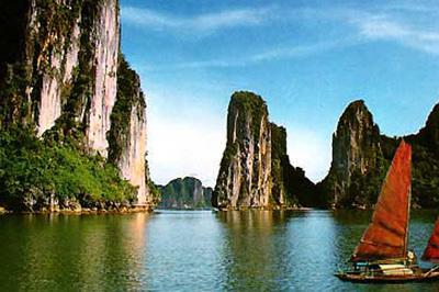 Bốn mùa tuyệt đẹp ở Hạ Long