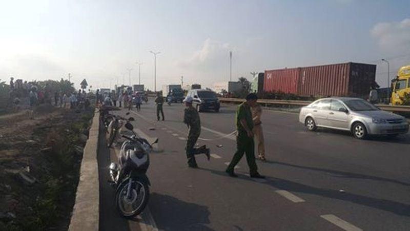 Va chạm với xe bồn chở xăng, 2 người chết thảm