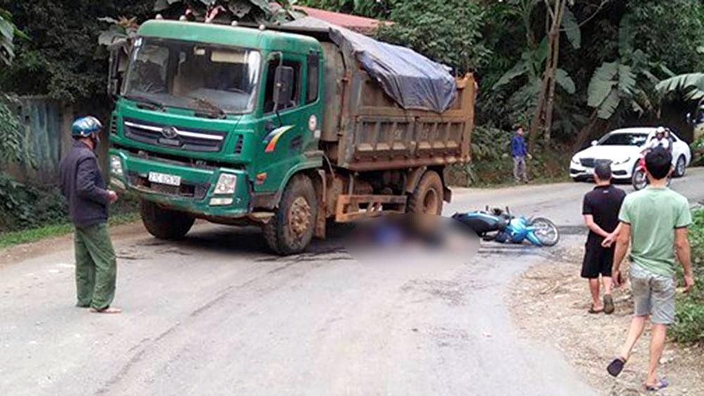 Va chạm với xe tải ở Yên Bái: Vợ tử vong, chồng nguy kịch