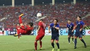 Quang Hải lọt danh sách ứng viên Cầu thủ hay nhất châu Á 2018