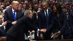 """Cử chỉ thân thương của Bush """"con"""" với bà Obama"""