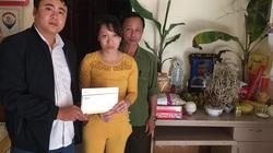 Trao hơn 20 triệu đồng đến gia đình bé Minh Khang