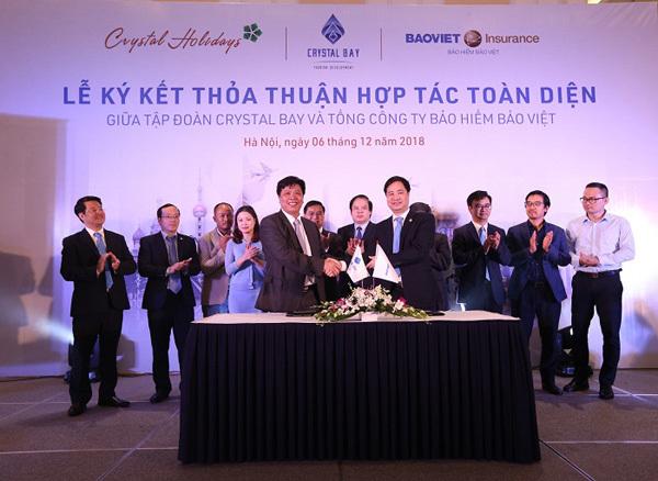 Crystal Bay cùng Bảo Việt chăm sóc y tế miễn phí cho khách