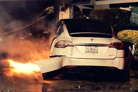 Cháy xe Tesla