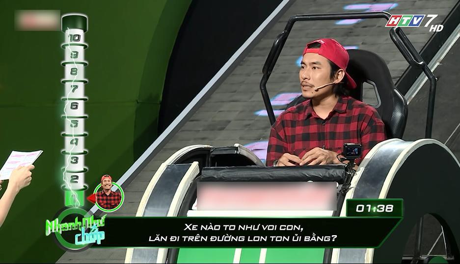 Đọc sai câu hỏi cho Kiều Minh Tuấn, Trường Giang đòi đổi bạn dẫn Hari