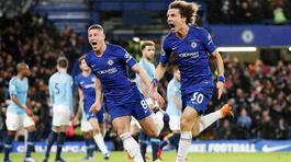 """Chelsea """"lên đồng"""", cắt đứt mạch bất bại của Man City"""