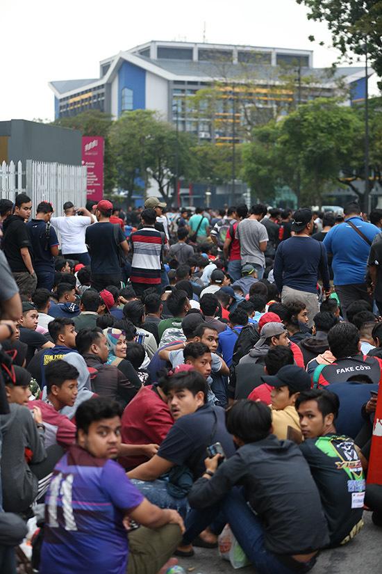 CĐV Việt Nam và 'bóng ma' hooligan Malaysia