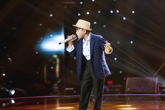 Bảo Anh, Vũ Cát Tường 'đứng ngồi không yên' vì Michael Jackson nhí