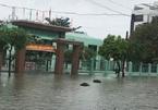Trường ngập trong nước, học sinh toàn Đà Nẵng nghỉ học