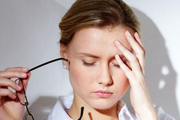 Chủ quan với cơn đau đầu bạn có nguy cơ đột quỵ ở tuổi 20