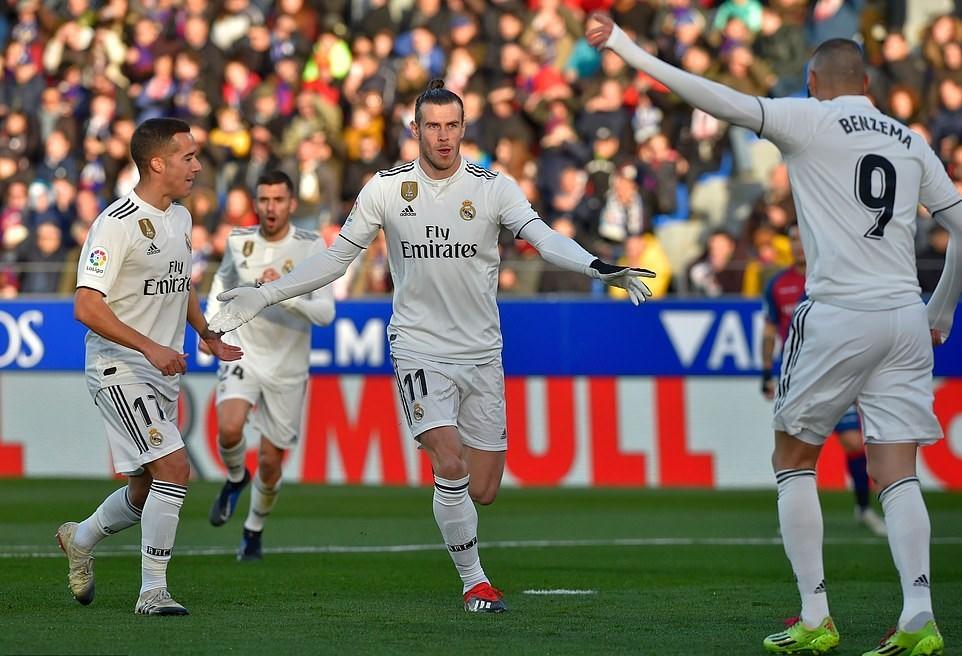 Gareth Bale ghi tuyệt phẩm, Real Madrid áp sát top 3