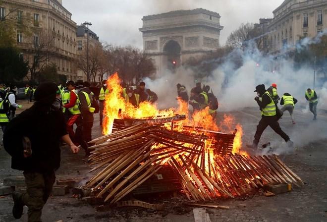 Biểu tình bạo loạn ở Pháp: Báo động cả châu Âu