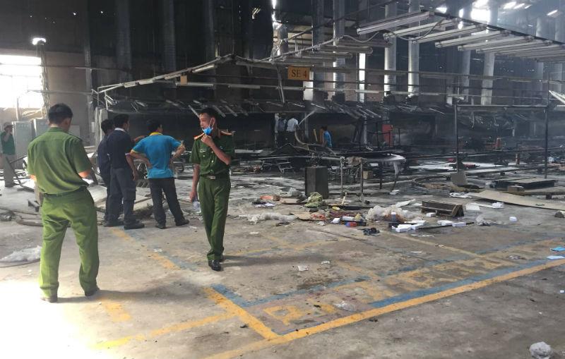 Cháy công ty gỗ Trung Quốc, hàng chục công nhân chạy thoát thân