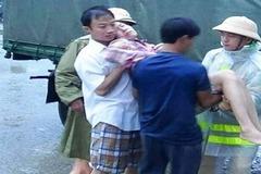 Cả gia đình 4 người bị ngạt khí ga trong mưa ngập kinh hoàng