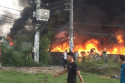 Biển lửa bao trùm 3 công ty vùng ven Sài Gòn