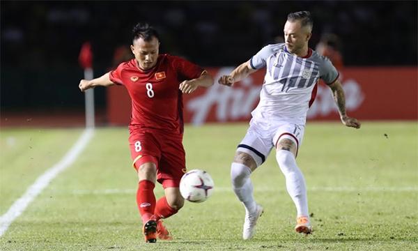Tuyển Việt Nam có thể mất Trọng Hoàng ở lượt đi với Malaysia