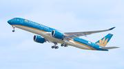 Đón tuyển Việt Nam về nước bằng máy bay hiện đại nhất thế giới