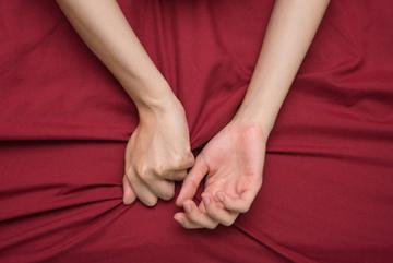 Nguyên nhân thật sự khiến phụ nữ dễ đạt cực khoái hơn khi 'tự xử'