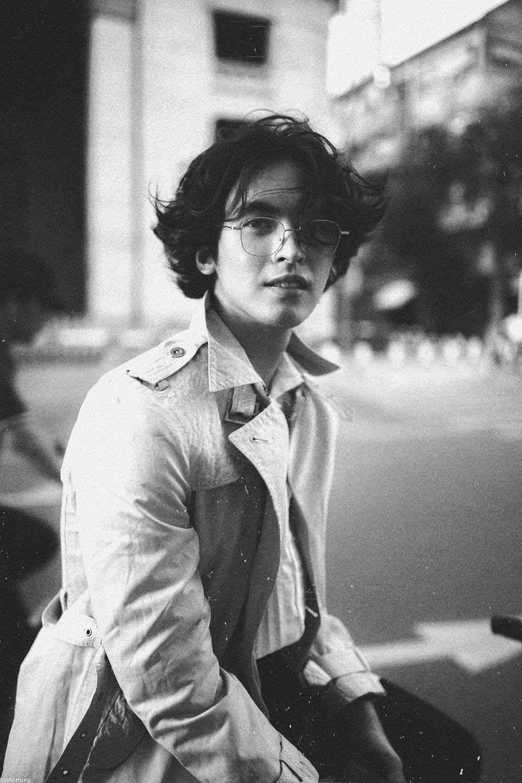 Chàng trai Sài Gòn gây chú ý với bộ ảnh lấy cảm hứng những năm 80