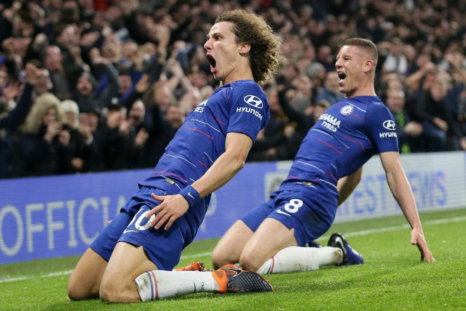 MU 'bật đèn xanh' ký Alderweireld, Chelsea mất trắng David Luiz