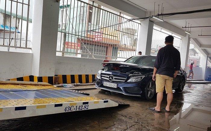 ô tô ngập nước,thủy kích,xe ngập nước,xe cũ