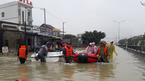 Quảng Nam lụt kỷ lục: Quốc lộ ngập lút người, không xe nào đi nổi