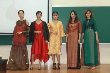 Những trang phục độc đáo được tạo nên từ vẻ đẹp Toán học