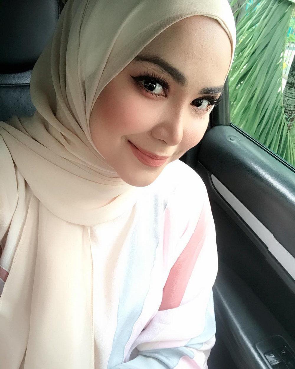 Người vợ nổi tiếng của đội trưởng tuyển Malaysia AFF Cup 2018