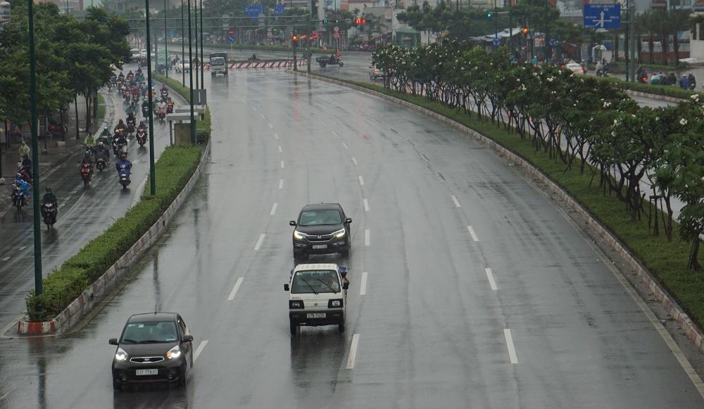 mưa lớn,mưa trái mùa,Sài Gòn,thời tiết