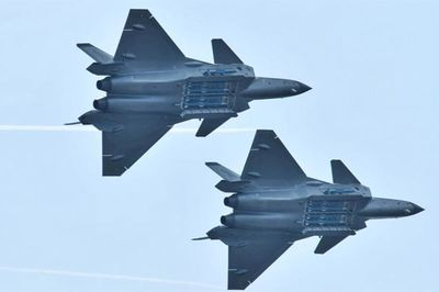 Mỹ hé lộ lý do sử dụng siêu chiến cơ tàng hình TQ giả