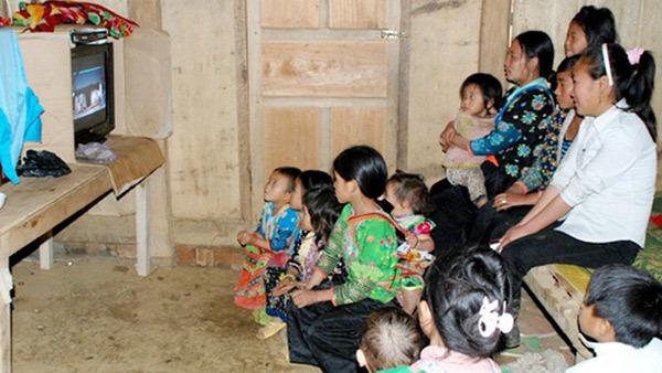 2 tỷ đồng giảm nghèo thông tin cho 5 tỉnh Bắc Trung bộ