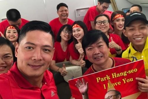 Lệ Hằng, Bình Minh sang Malaysia cổ vũ tuyển Việt Nam