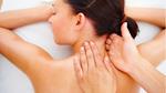 Hay massage cổ, người phụ nữ 49 tuổi suýt chết vì đột quỵ