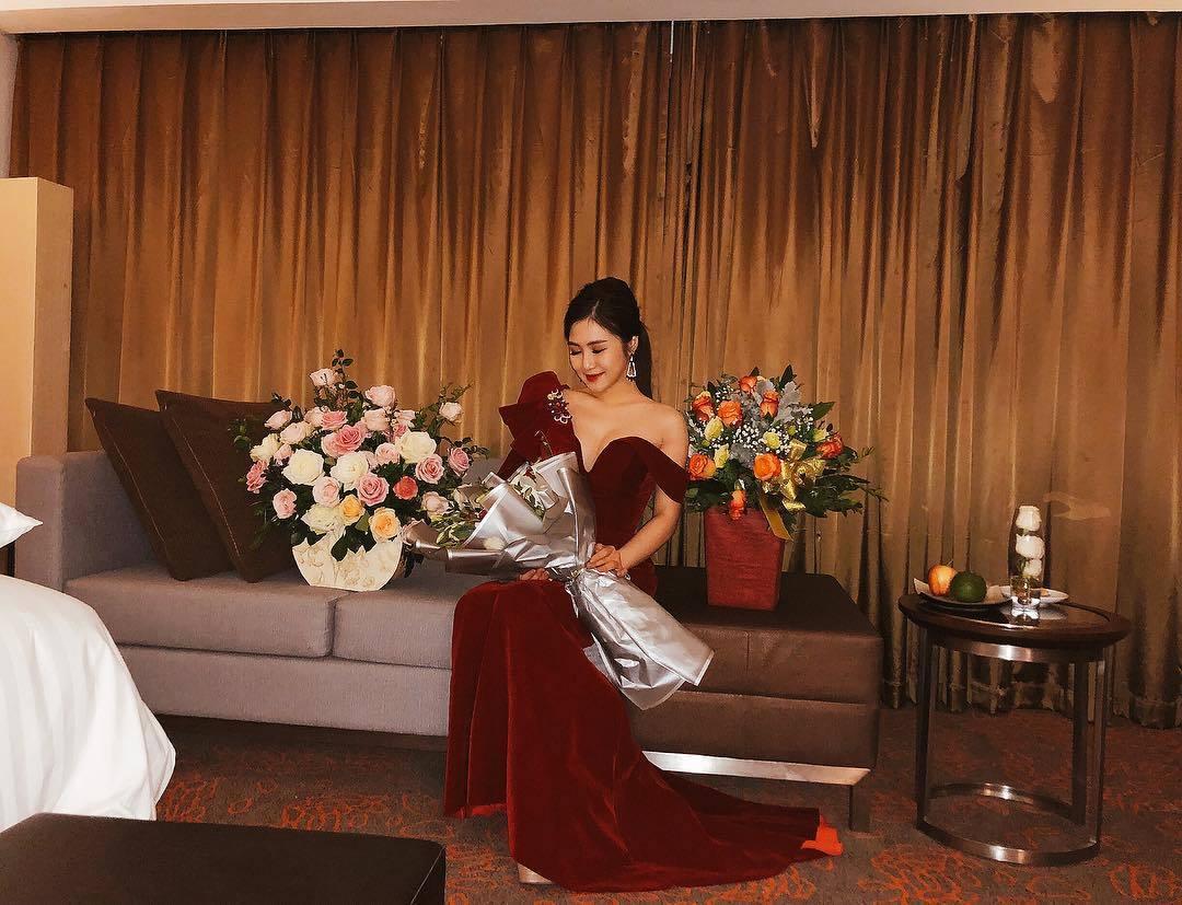 Xuân Bắc bị giữ lại khi nhập cảnh Thái Lan vì lý do không ngờ