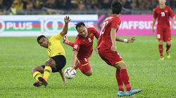 Những pha chặt chém của Malaysia với cầu thủ Việt Nam tại Bukit Jalil